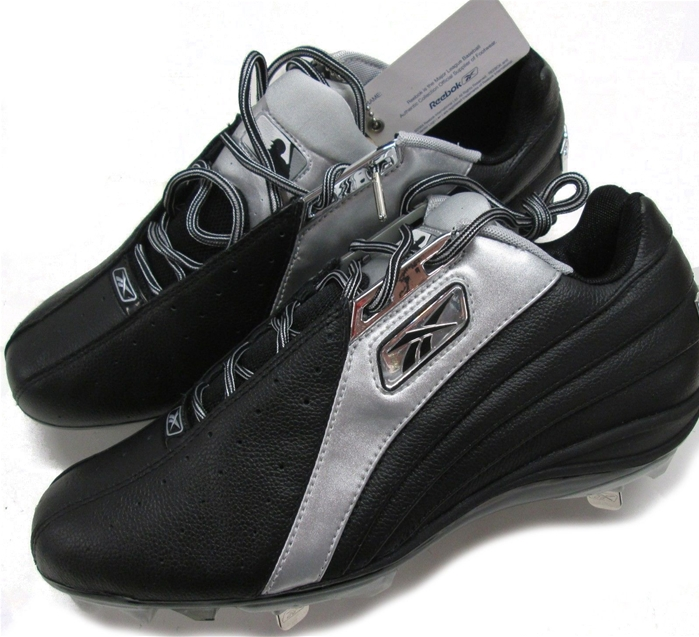 Reebok MLB Authentic Collection Visalia M6 Low Cleats